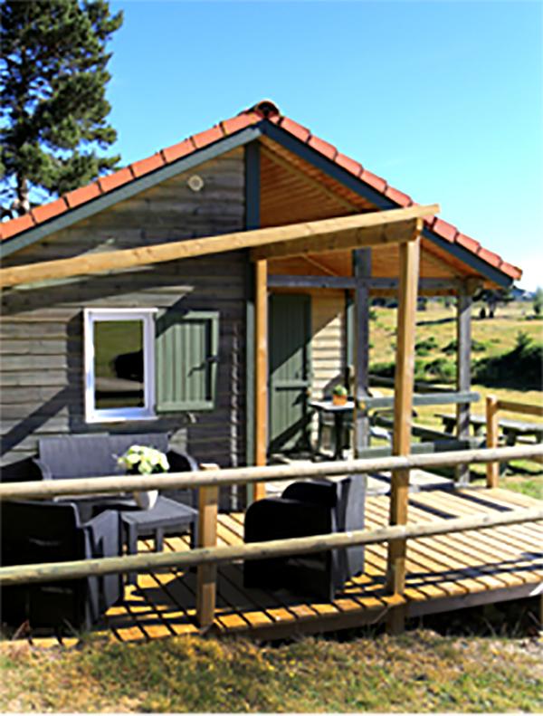Chalets en bois au camping de Naussac 3 étoiles