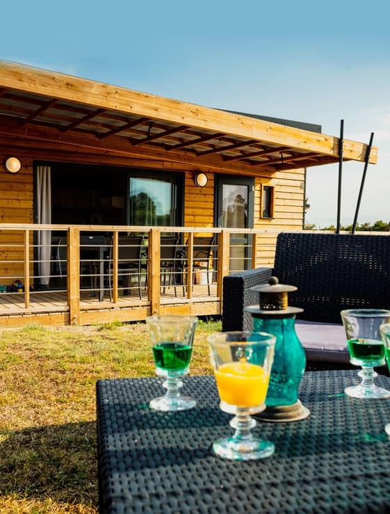 Location de cottage de luxe au camping les Sous bois du lac en Lozère