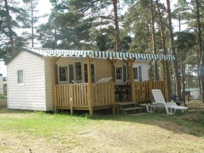 Mobil-home Colorado 2 chambres 29 m² pour 4 à 6 personnes au camping les sous bois du lac en Lozère
